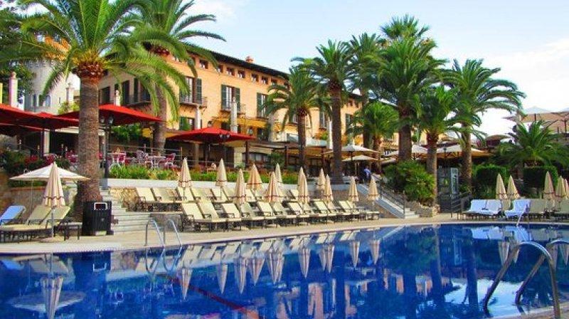 Pool at Castillo Hotel Son Vida