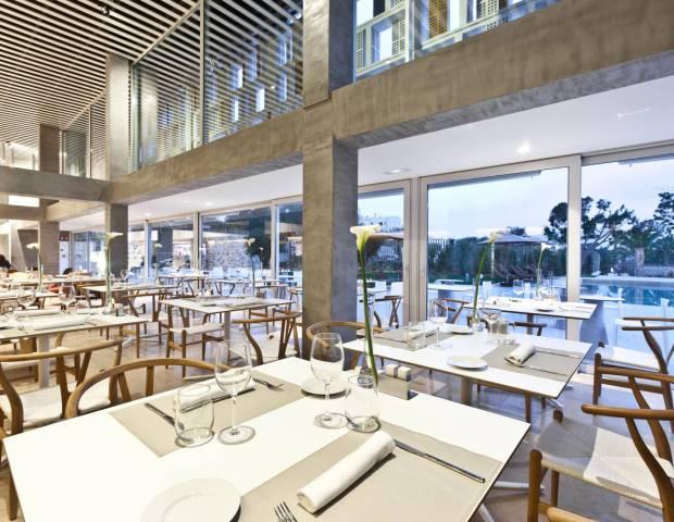 beautiful restaurant Portals